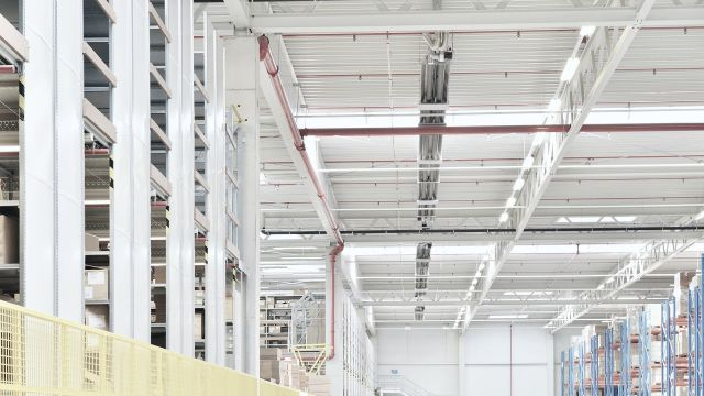 Distribution centre heating from Schwank